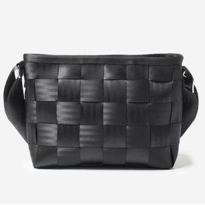 Harvey's Messenger Seatbelt Bag